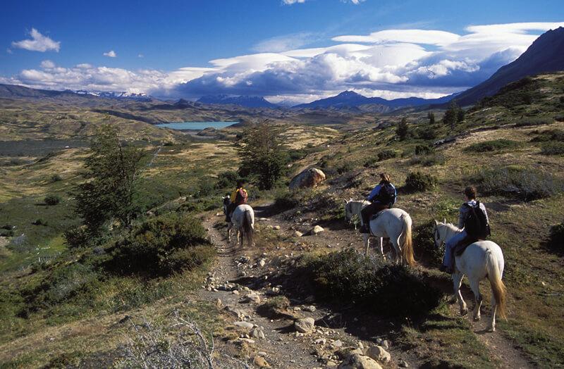 patagonia_las torres_horseriders landscape