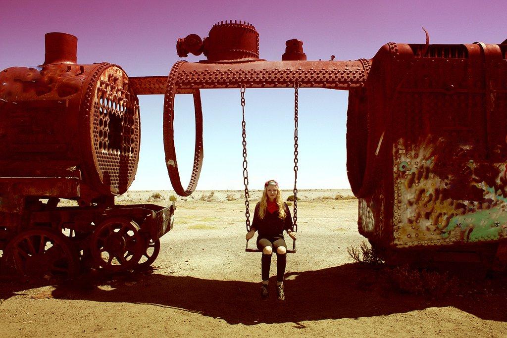 train-cemetery-at-uyuni--bolivia